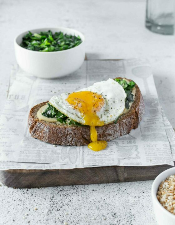 Spinach, Hummus & Egg Breakfast Bread